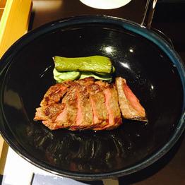 お肉を食べる!